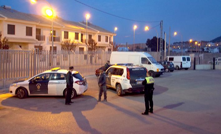 detenido por la policía local