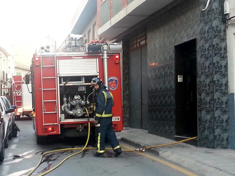 incendio en la calle del carmen de Yecla