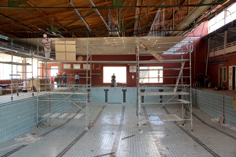 piscina cubierta reabre sus puertas