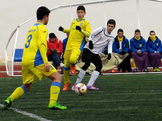 jugadores de fútbol en Yecla