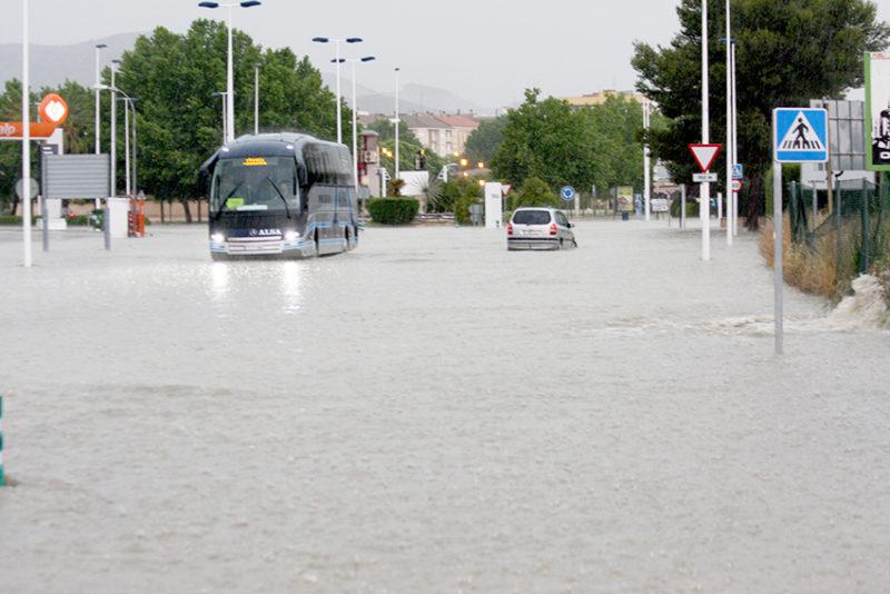 inundaciones de la carretera de Villena en Yecla