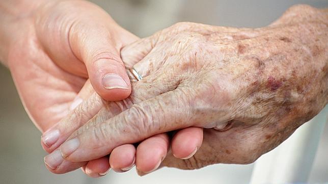 dependencia ayuda personas dependientes