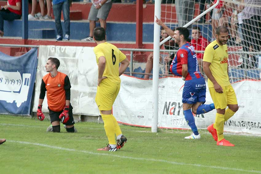 Toni Vela goleador