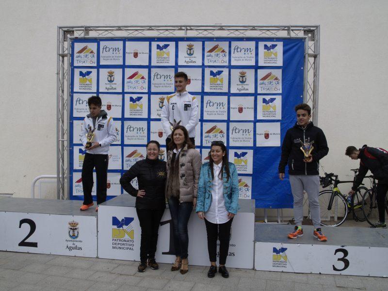 cadetes club triatlon arabi yecla