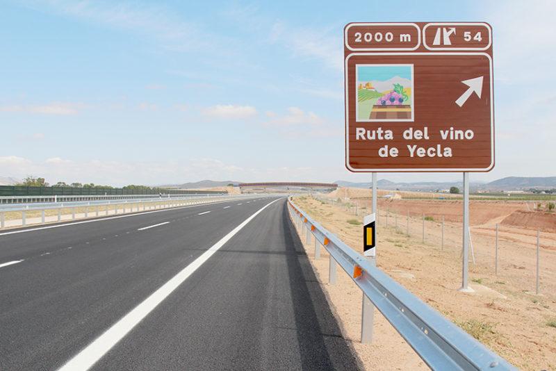 autovía A33 yecla jumilla turismo