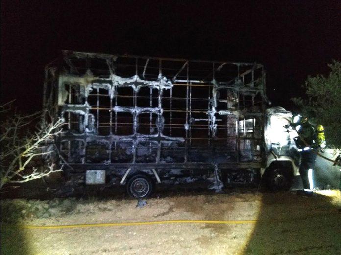 camión quemado campana