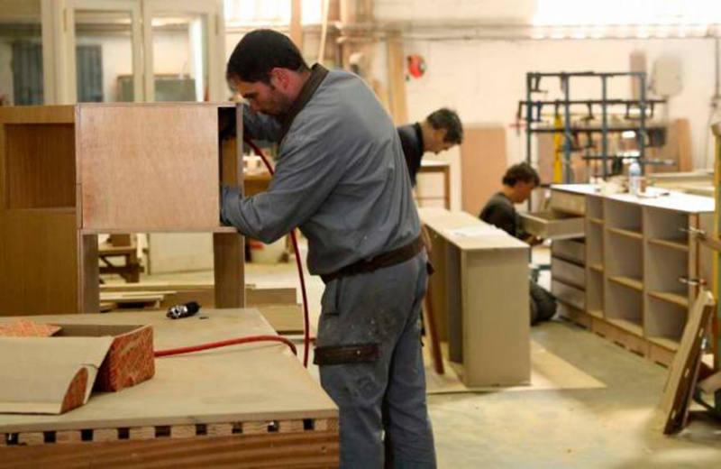 trabajador uso mayo empleo sector del mueble