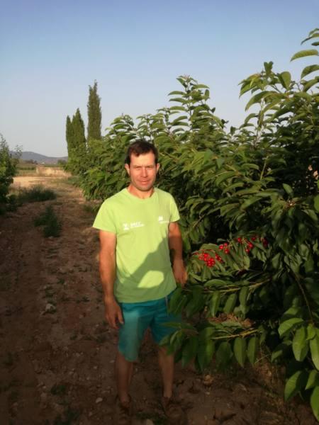 Dani Ortiz, joven agricultor yeclano
