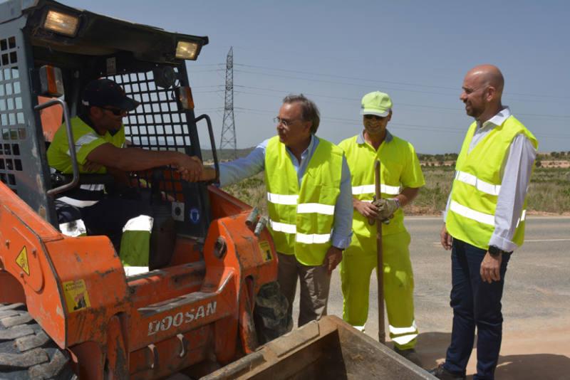 contrato conservación carreteras empleo local