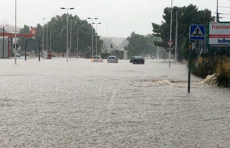 inundaciones carretera de villena yecla tormenta