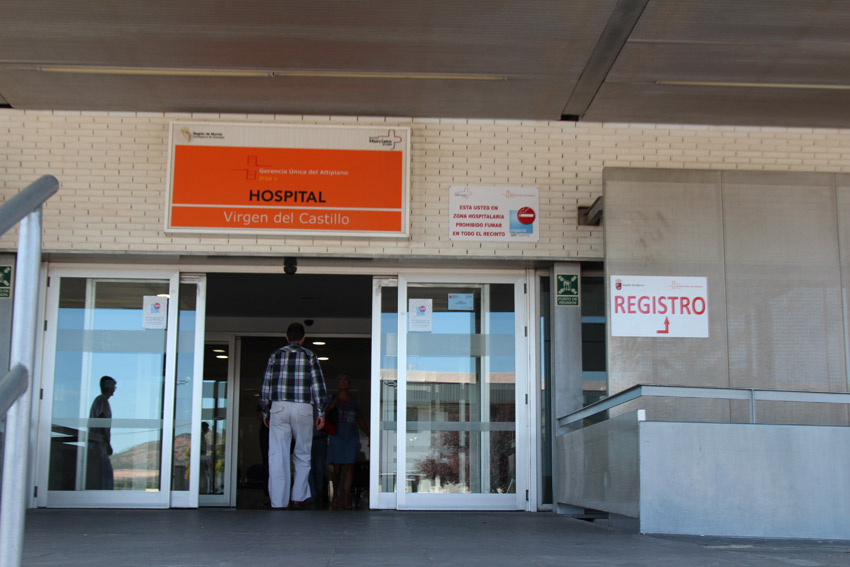 ingresos covid puerta hospital virgen del castillo yecla indemnizan cinco operaciones