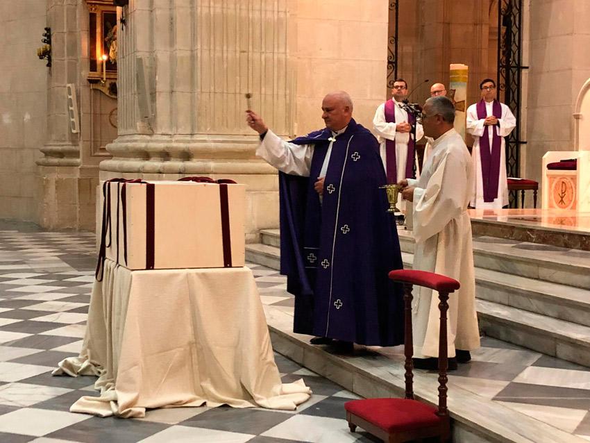 restos sacerdotes
