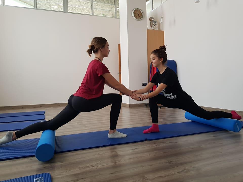 Adolescentes clase pilates