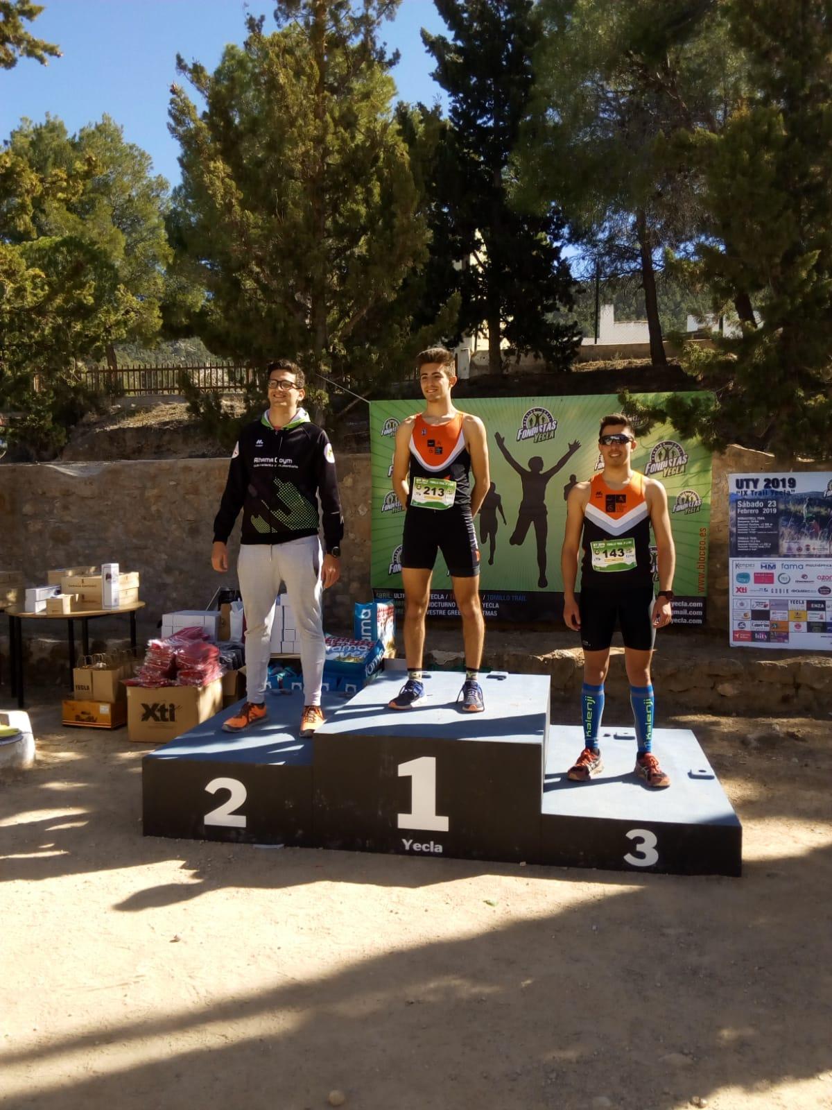 ultra trail yecla podio triatletas