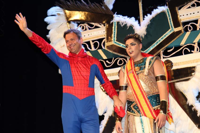 carnaval de Yecla con el alcalde