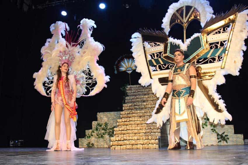 coronación del nuevo rey de carnaval de Yecla