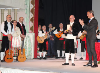 coros y danzas medalla de oro de Yecla