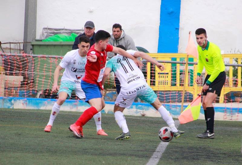 1-0 ganó la Minera al yeclano