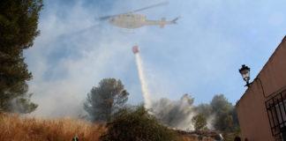incendio ladera cerro del castillo helicóptero