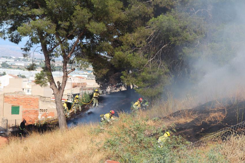 incendio en el cerro del castillo de Yecla