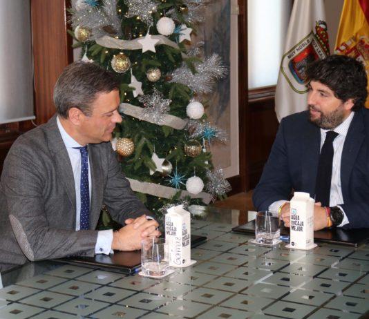 reunión Fernando López Miras y Marcos ortuño escuela de hostelería