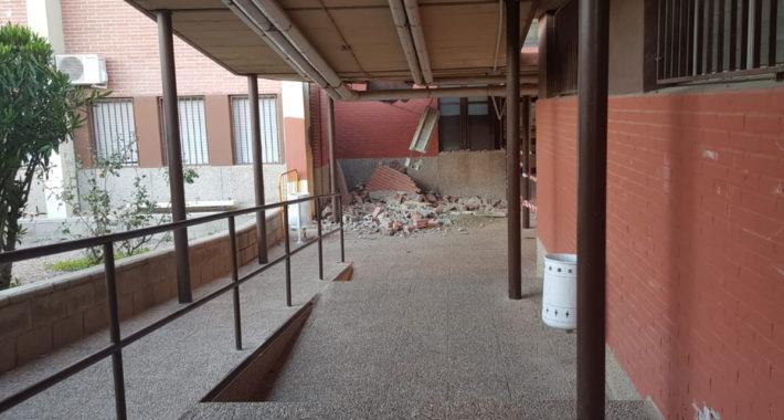 muro caído en el instituto castillo puche