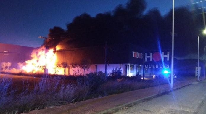 incendio exposición de muebles