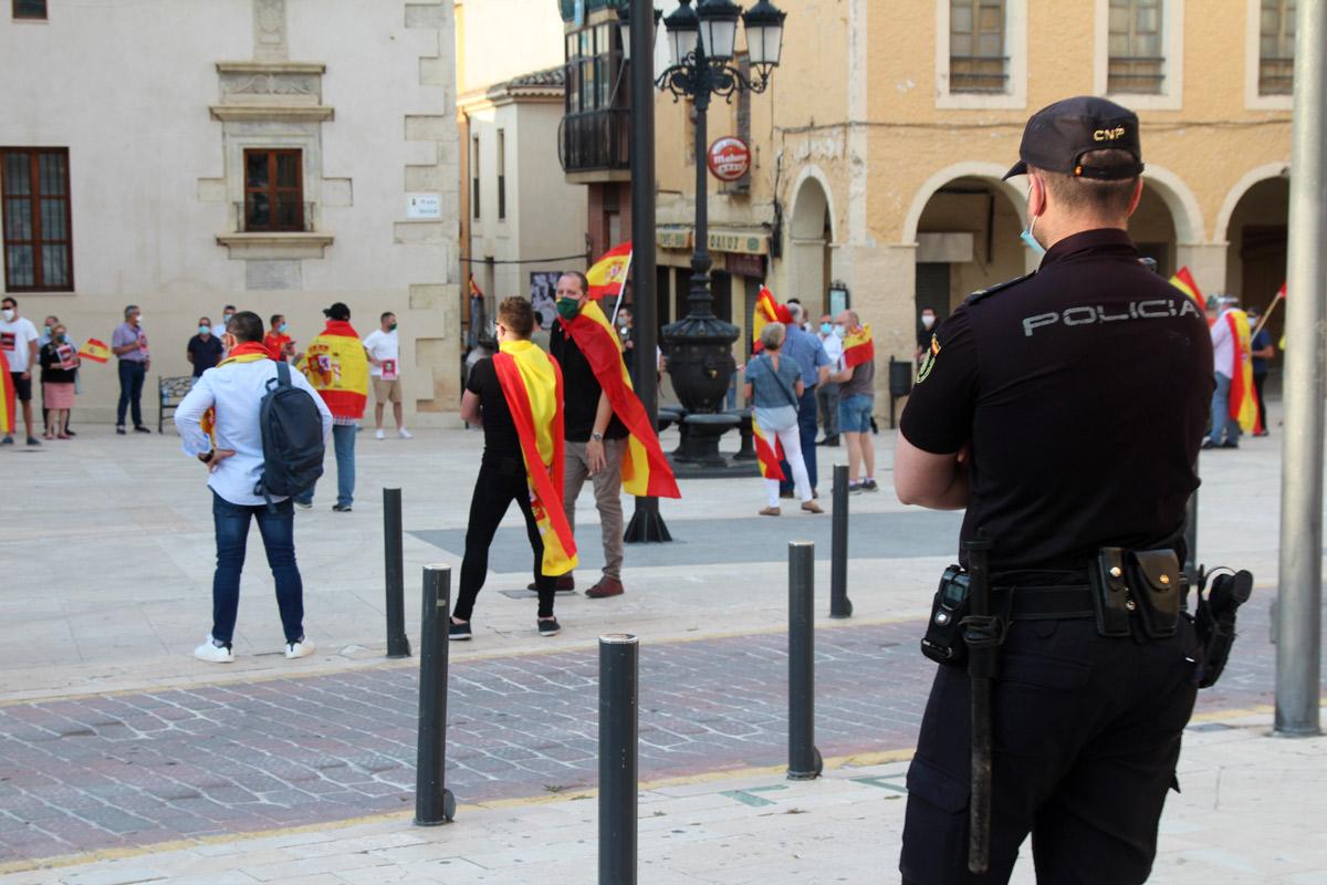 manifestación contra el gobierno crisis covid19