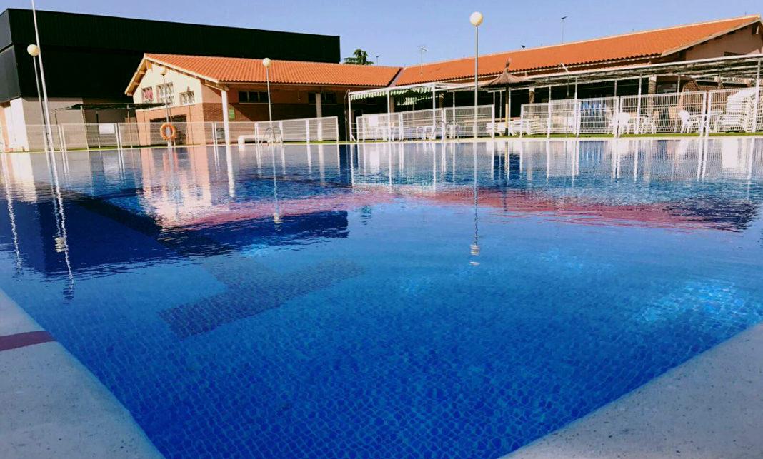 piscina-rosales-yecla