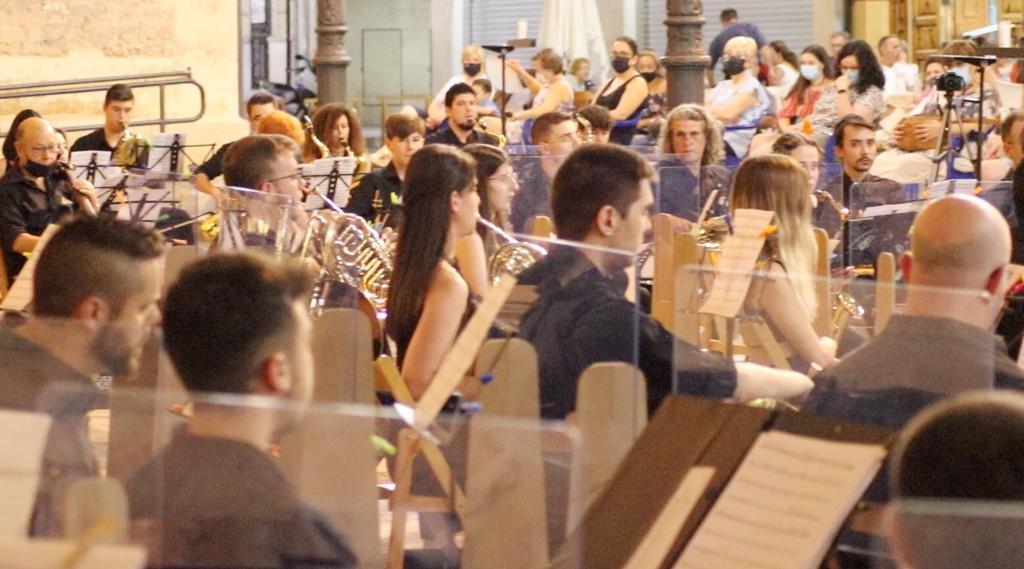 músicas del aire concierto víctimas covid amigos música banda
