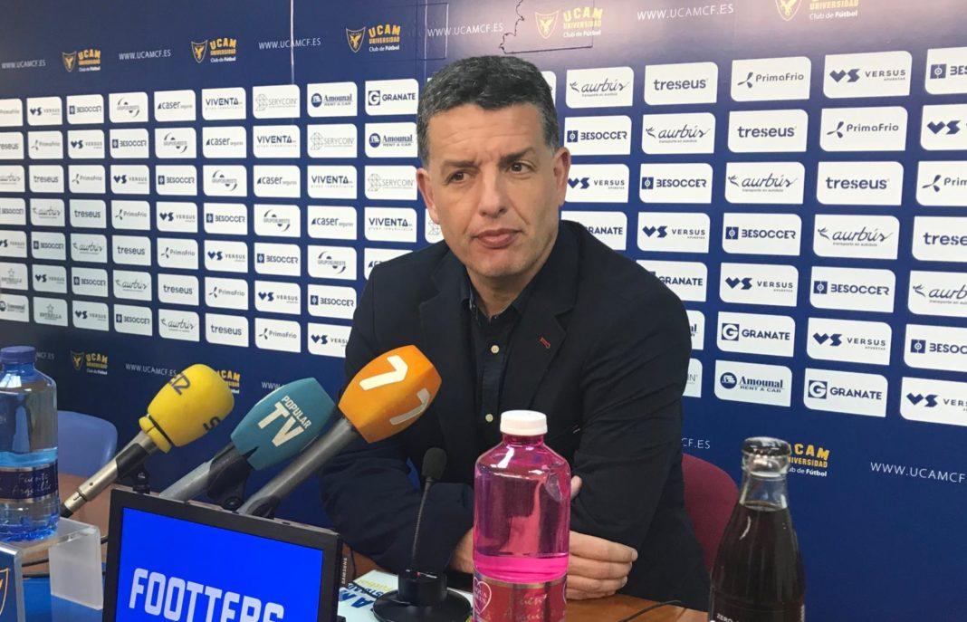 alejandro sandroni entrenador yeclano
