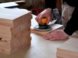 un carpintero paro local