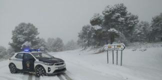 policía nieve temporal