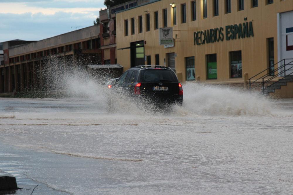 tormenta electrica inundaciones