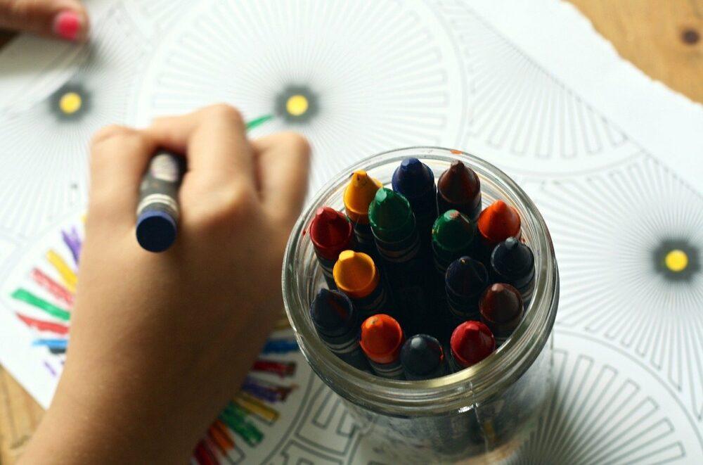 niños dibujando vacaciones