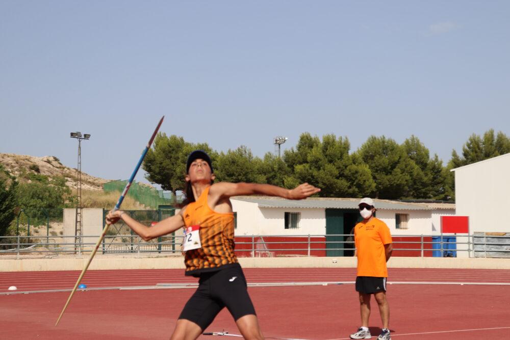 Las pistas de atletismo del Juan Palao congregaron a más de 260 atletas en el Campeonato Regional de la Federación Murciana sub18 y 16