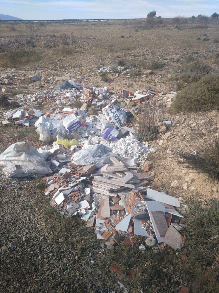 escombros vertidos