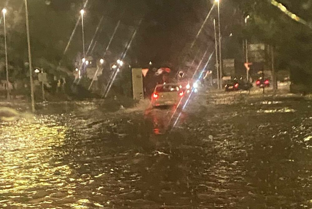 lluvias carretera de Villenaa