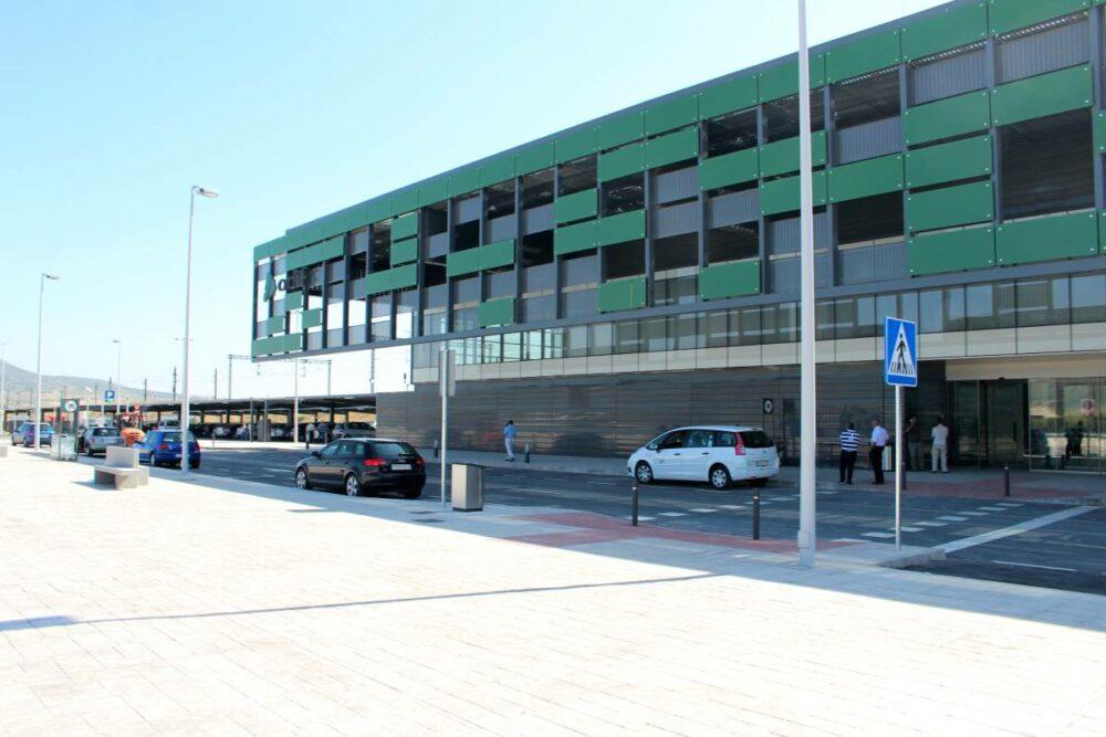 estación del tren de alta velocidad de Villena línea de autobús